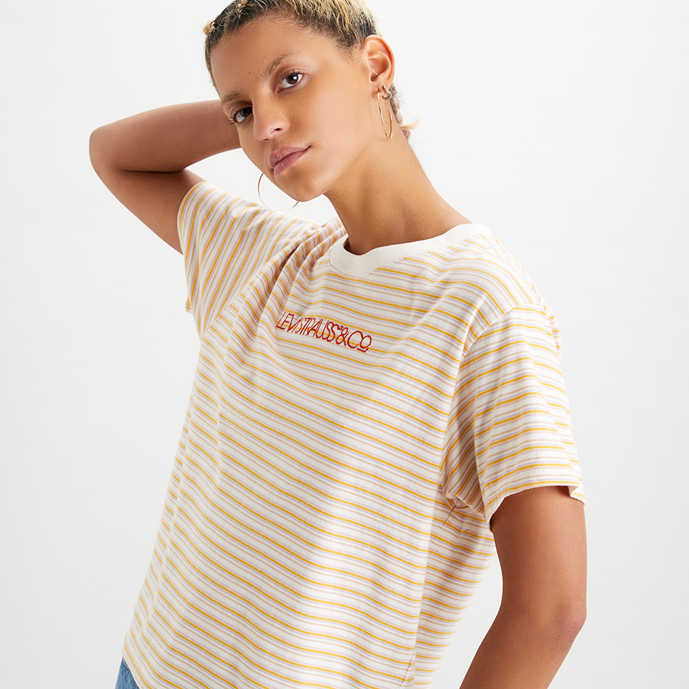 Levsi 女款 短袖學院T恤 / 中短版方正寬袖版型 / 蜂蜜色條紋 / 刺繡線形Logo-熱銷單品