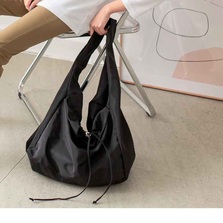 純色大容量防潑水肩背斜背手提包