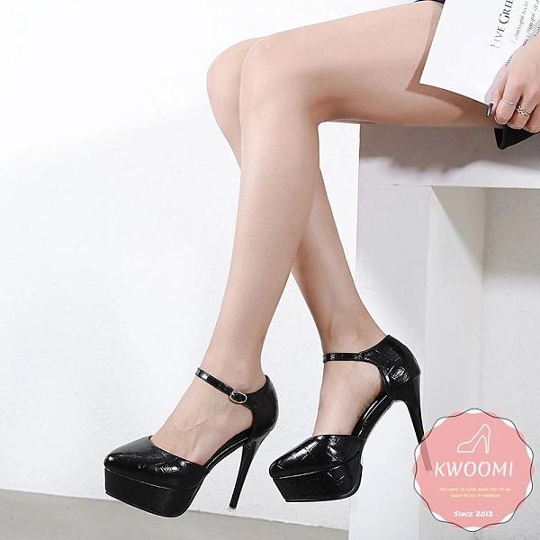 高跟涼鞋 尖頭細跟漆皮白色黑色蘿莉風 晚宴鞋 新娘鞋 高跟鞋*KWOOMI-A32