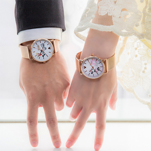 【放閃情人錶 領券再折2%+限量贈品】Disney 迪士尼90周年紀念 經典米奇&米妮紀念對錶 米奇+米妮 原廠公司貨 情侶對錶 熱賣中!