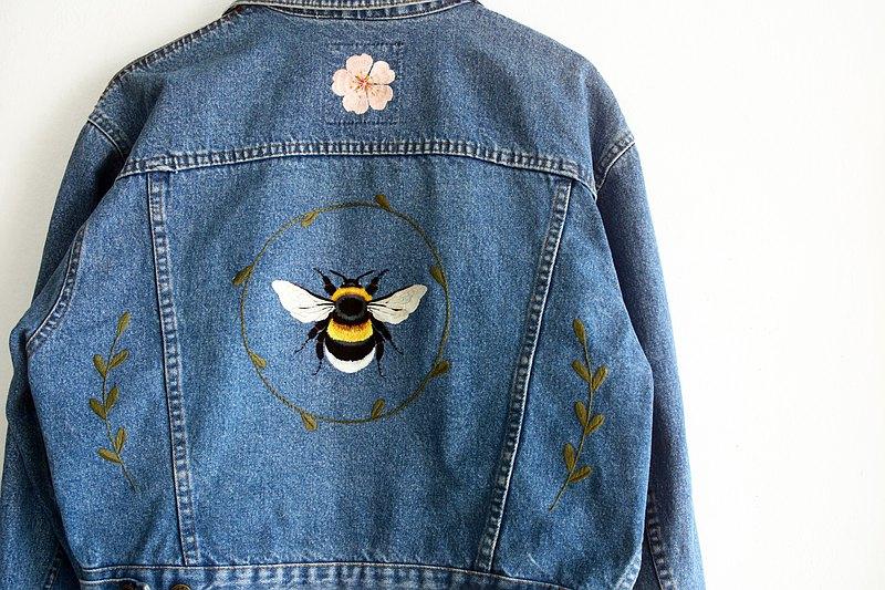 小蜜蜂的櫻花季節手工刺繡牛仔外套