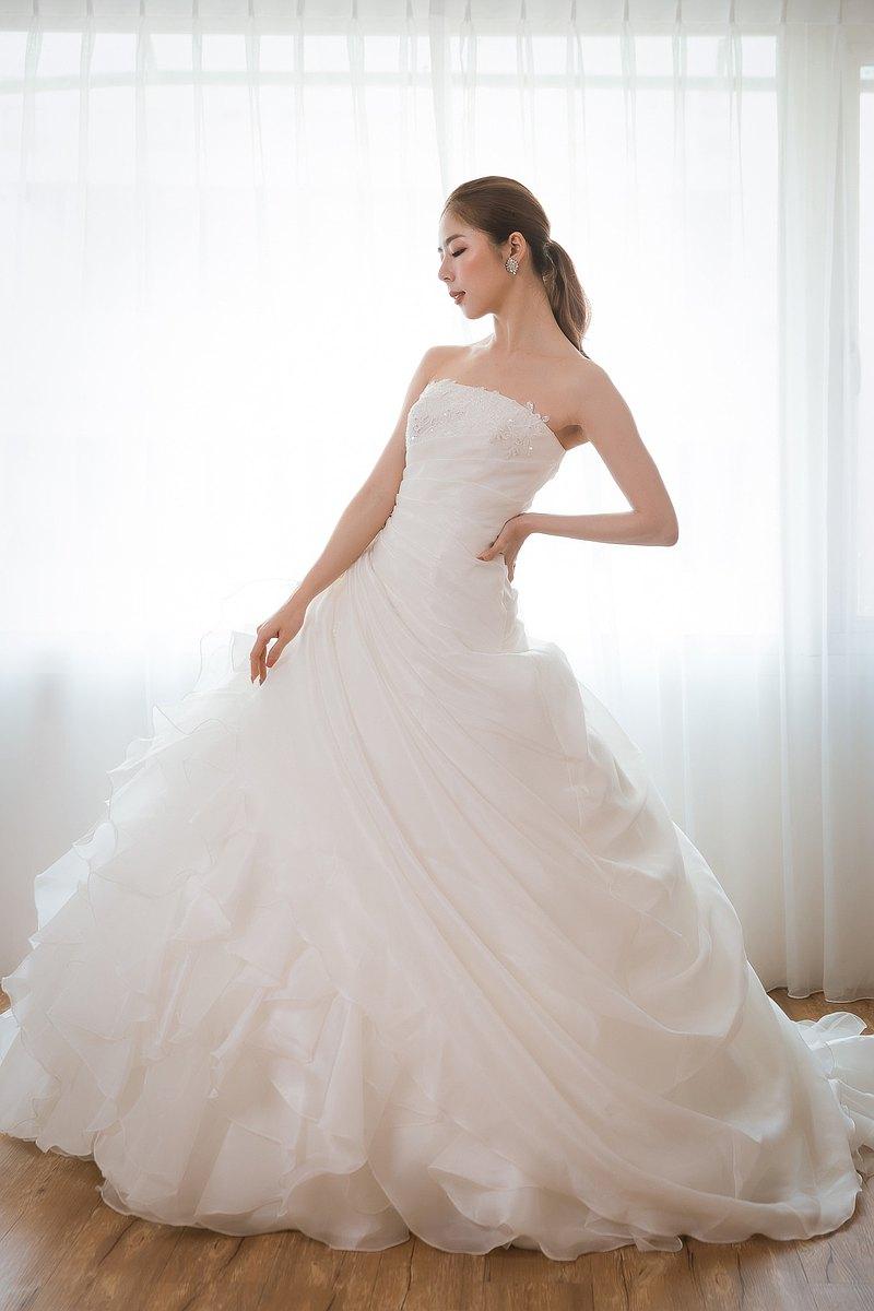 夢幻日系公主 立裁荷葉胸口蕾絲重珠白紗
