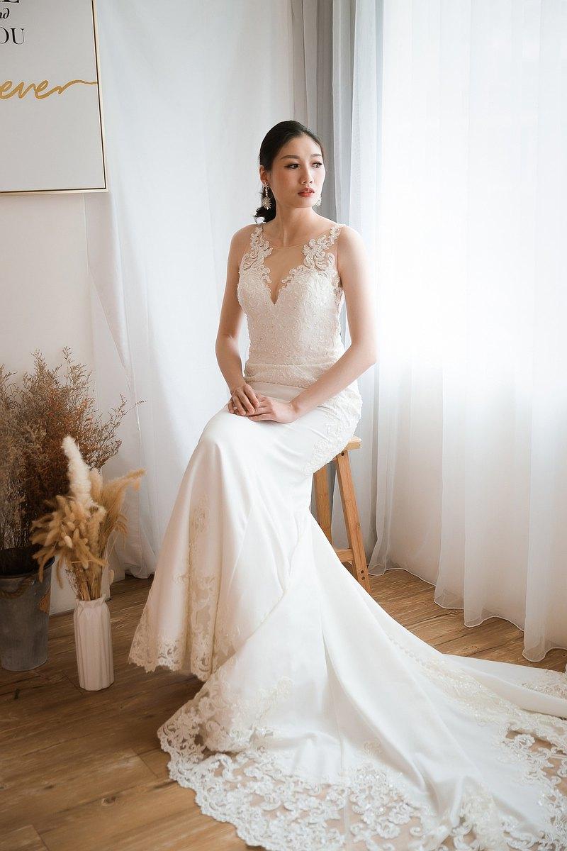 重工縫珠蕾絲魚尾霧面白紗性感又不失高雅