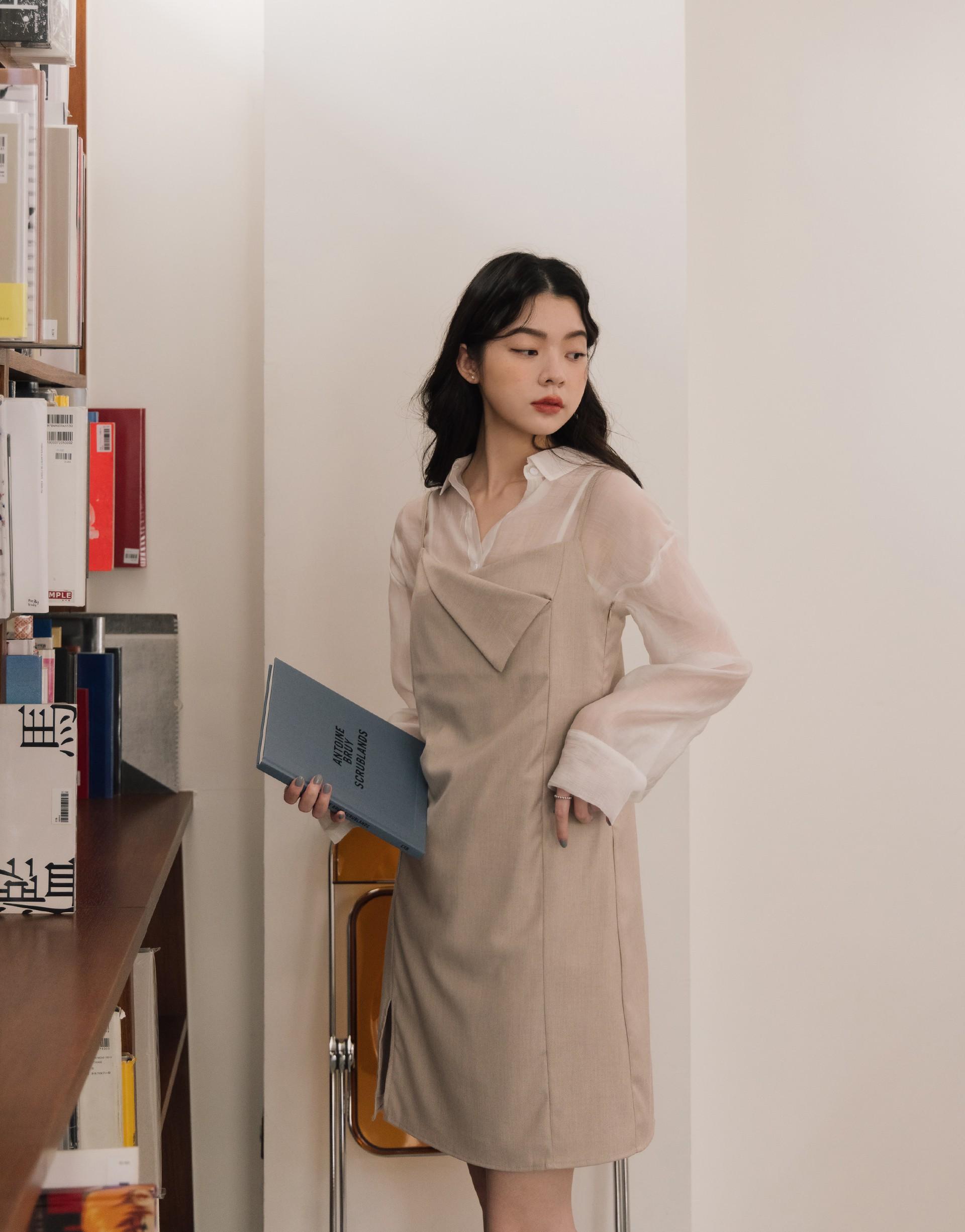 A'a 質感領片造型細肩帶洋裝-PAZZO