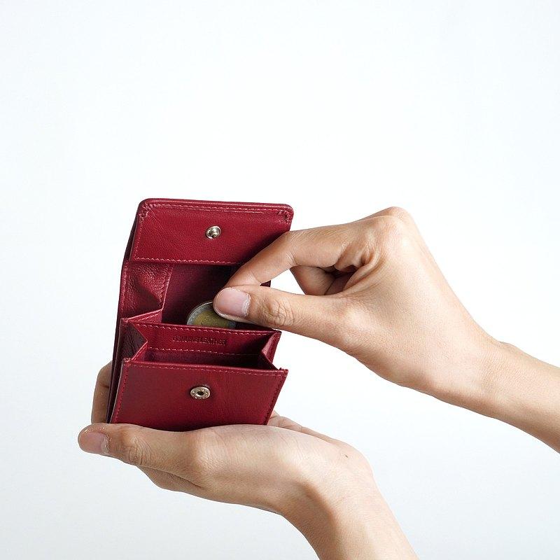 FOLIO : 邁拉零錢包由優質山羊皮製成,便於攜帶。
