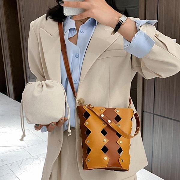 水桶包 春夏小包包女包2021流行新款韓版潮時尚鏤空斜挎包女士單肩水桶包 維多原創