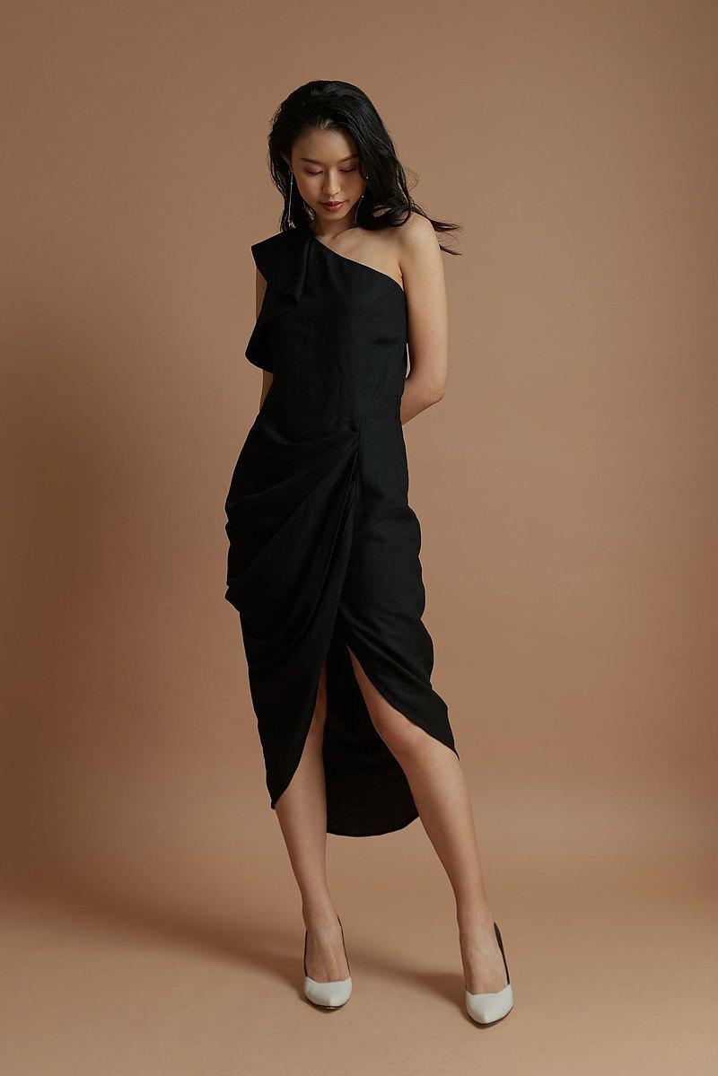斜肩花苞洋裝(黑)