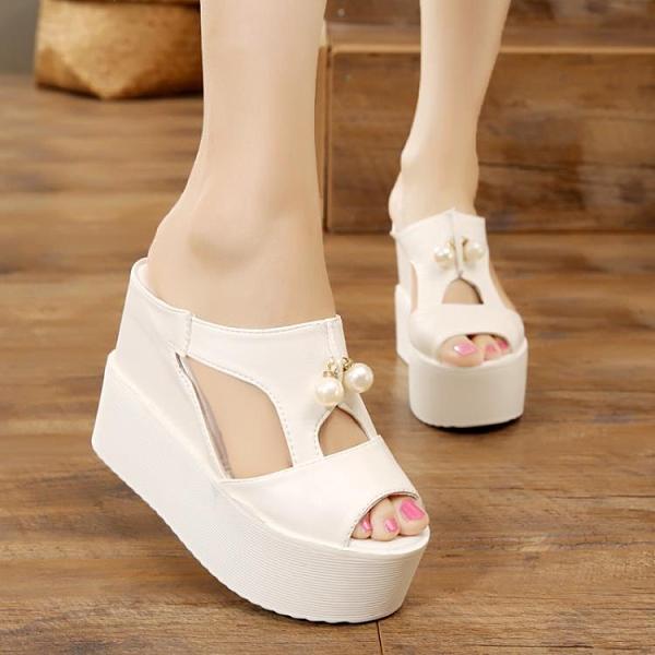 魚口鞋 10cm厚底楔形一字拖鞋女夏厚底鬆糕魚口涼鞋時尚珍珠涼拖鞋增高女拖鞋-Ballet朵朵