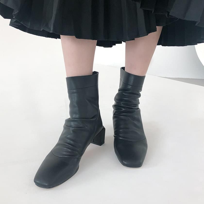 韓國空運 - Wrinkle Angle Boots 靴子