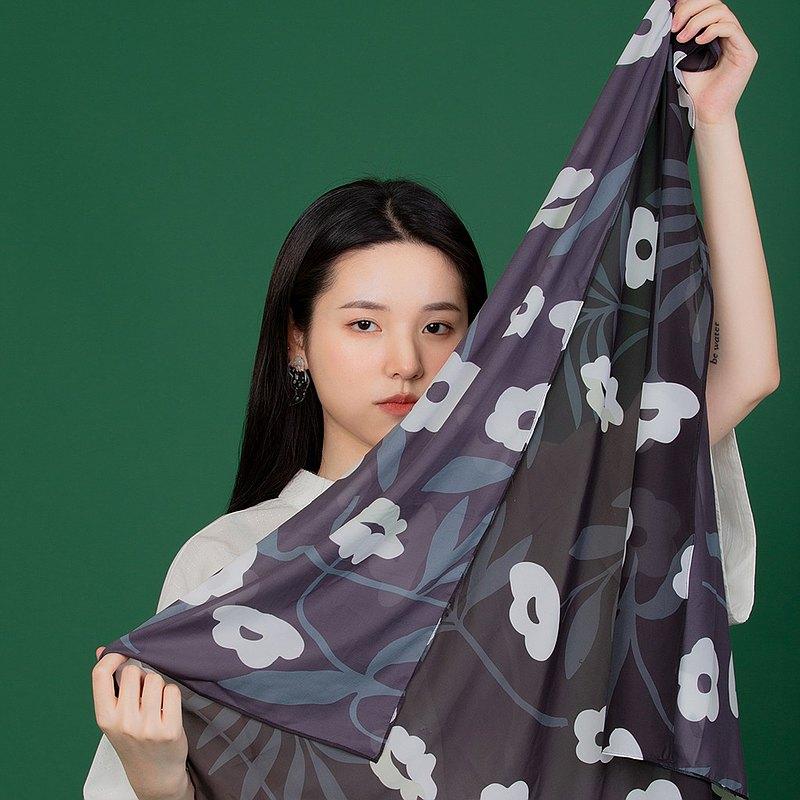 限量繁花印花絲質方巾 黑色