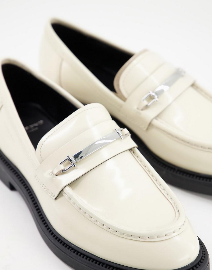 Vagabond Alex loafer in off white