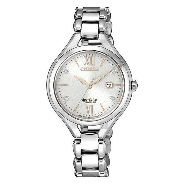 【台南 時代鐘錶 CITIZEN】星辰 羅馬字 美鑽流線型 光動能 鋼筆帶女錶 EW2560-86A 銀 30mm