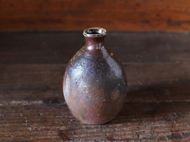 Bizen Ware清酒瓶T-107