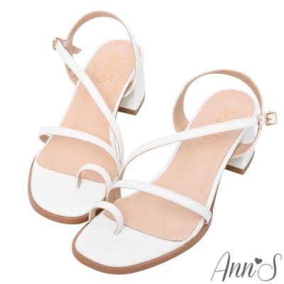 Ann'S怦然時刻-視覺顯瘦斜帶套指方頭粗跟涼鞋-白(版型偏小)