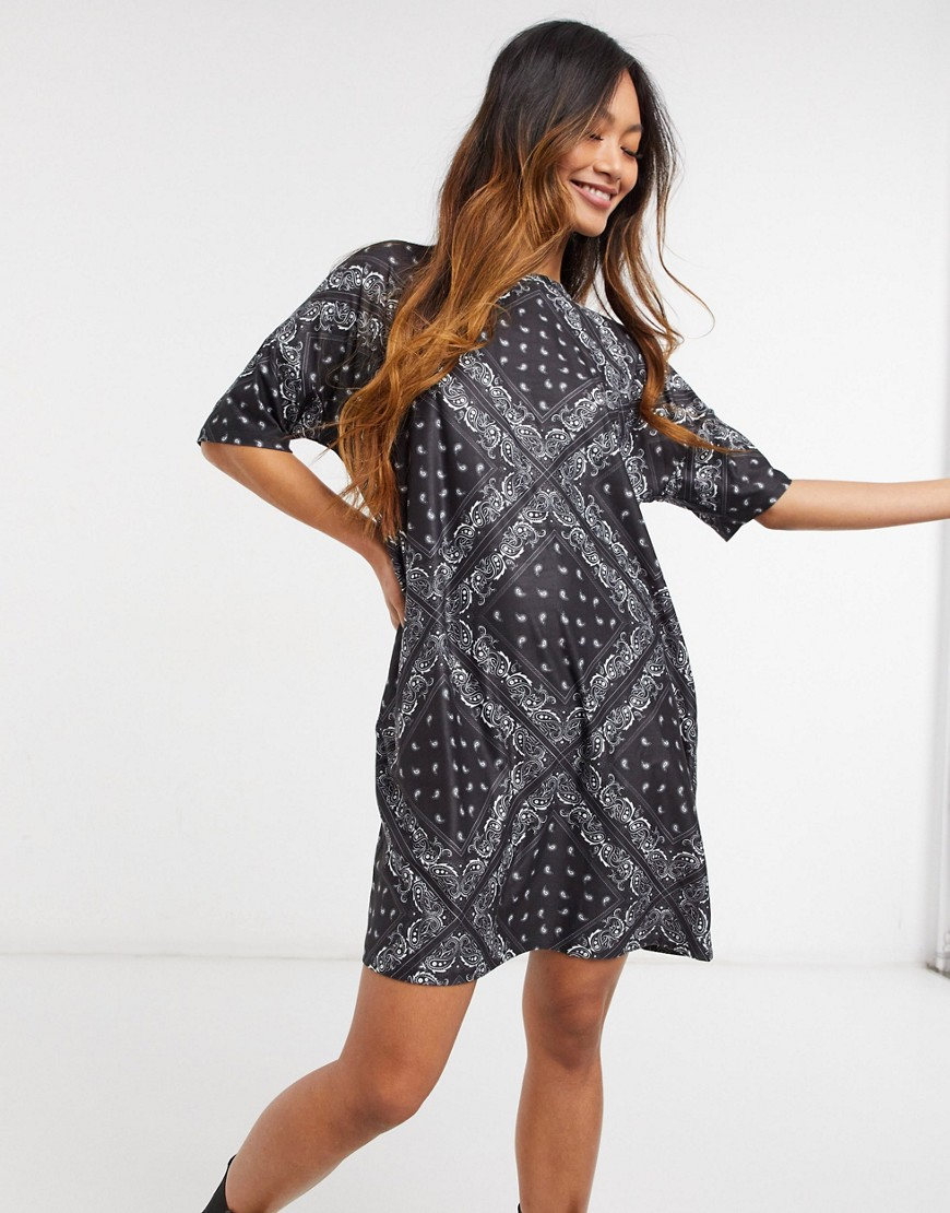 Urban Threads oversized t-shirt dress in bandana print-Black