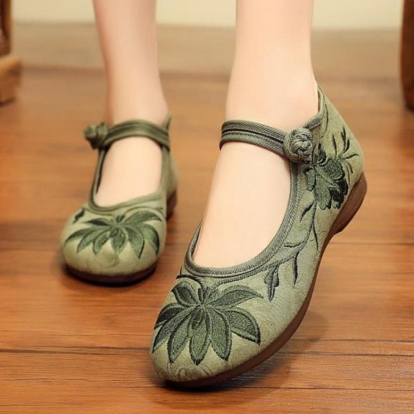 新款老北京繡花鞋布鞋女