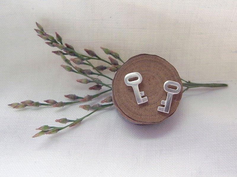 小鑰匙-純銀耳環