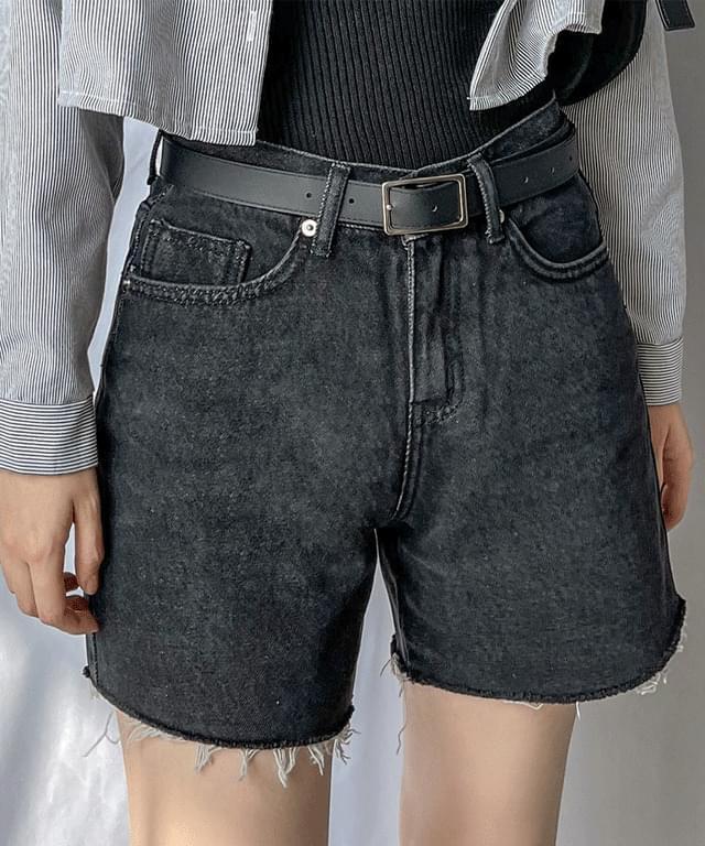 韓國空運 - Joy Black Denim denim short pants 短褲