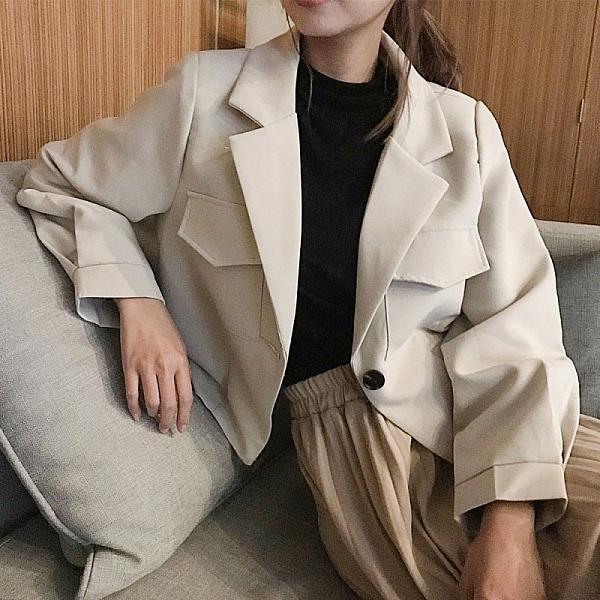 現貨-MIUSTAR 好比例!雙口袋短版墊肩西裝外套(共3色,M-L)【NJ0064】