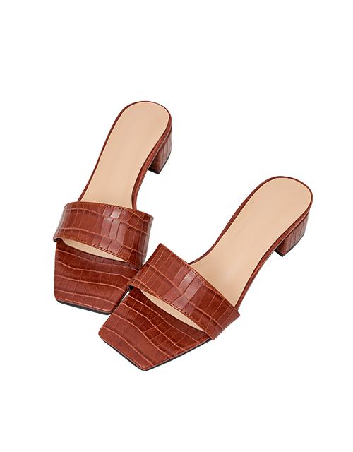 時髦壓紋方頭低跟拖鞋