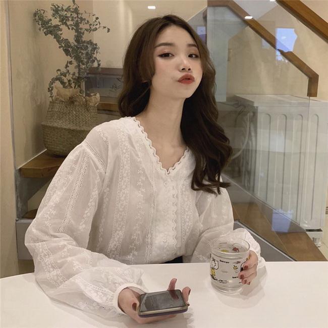 FOFU-韓國甜美氣質寬鬆V領百搭蕾絲勾花襯衫上衣女【08SG05819】