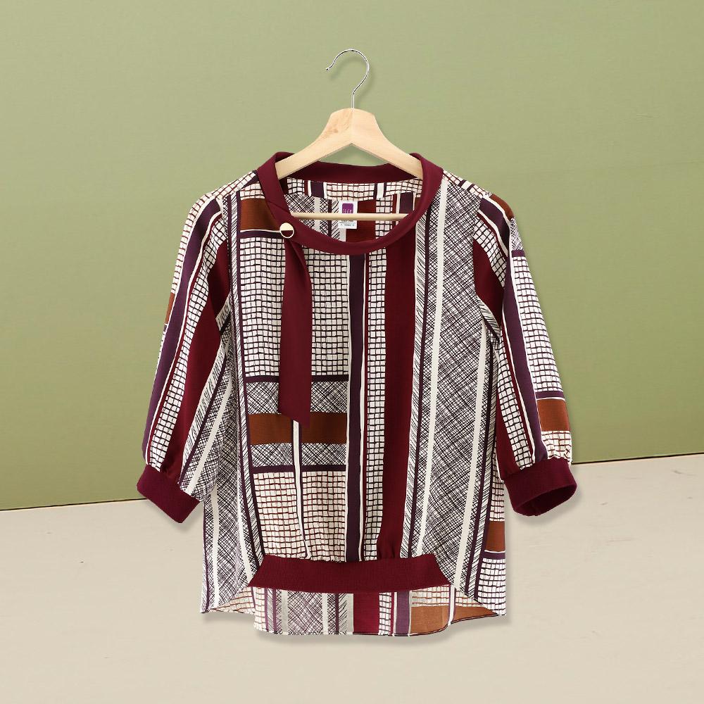 ILEY伊蕾 時尚手繪風幾何圖紋印花七分袖上衣(紅)960103