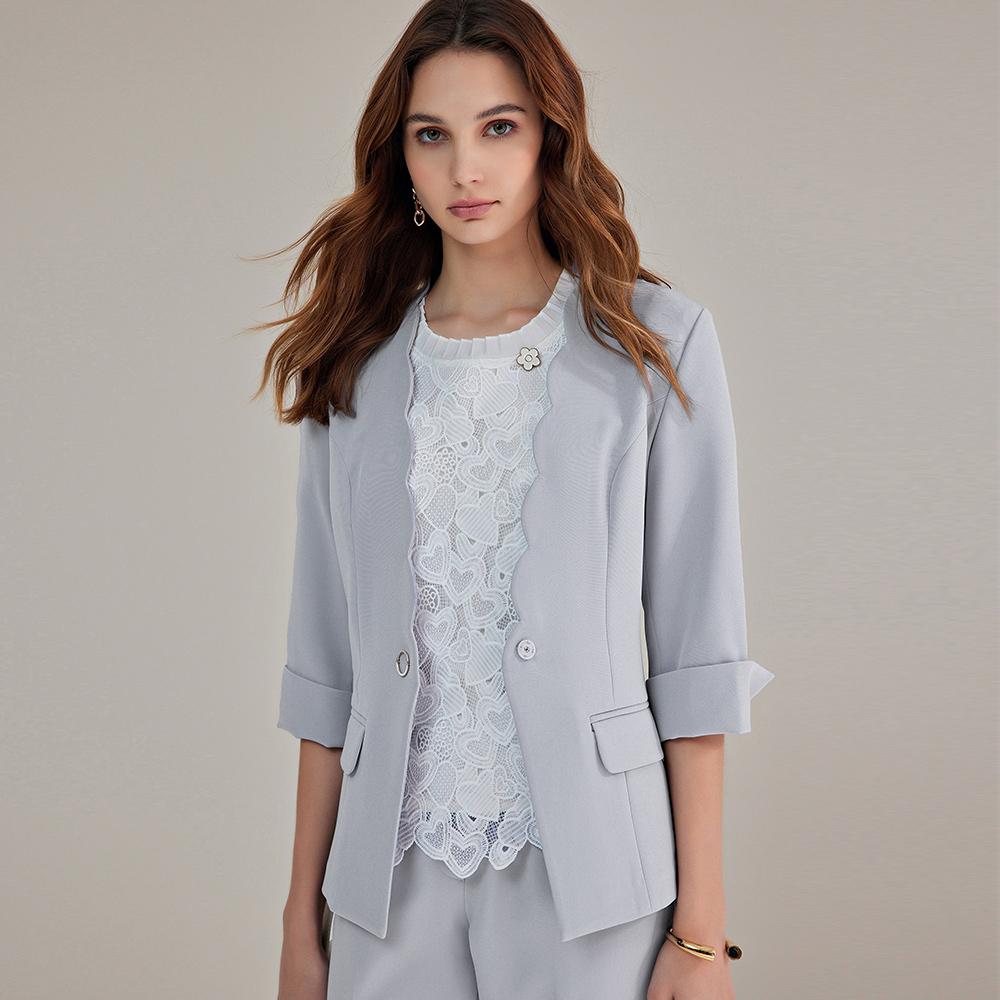 ILEY伊蕾 花瓣領都會造型西裝外套(淺藍)1211024733