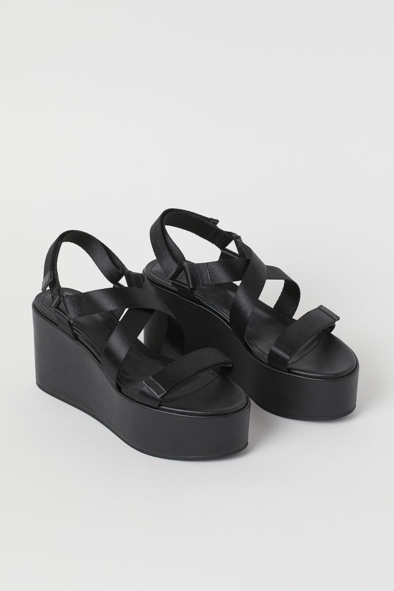 H & M - 厚底楔型涼鞋 - 黑色