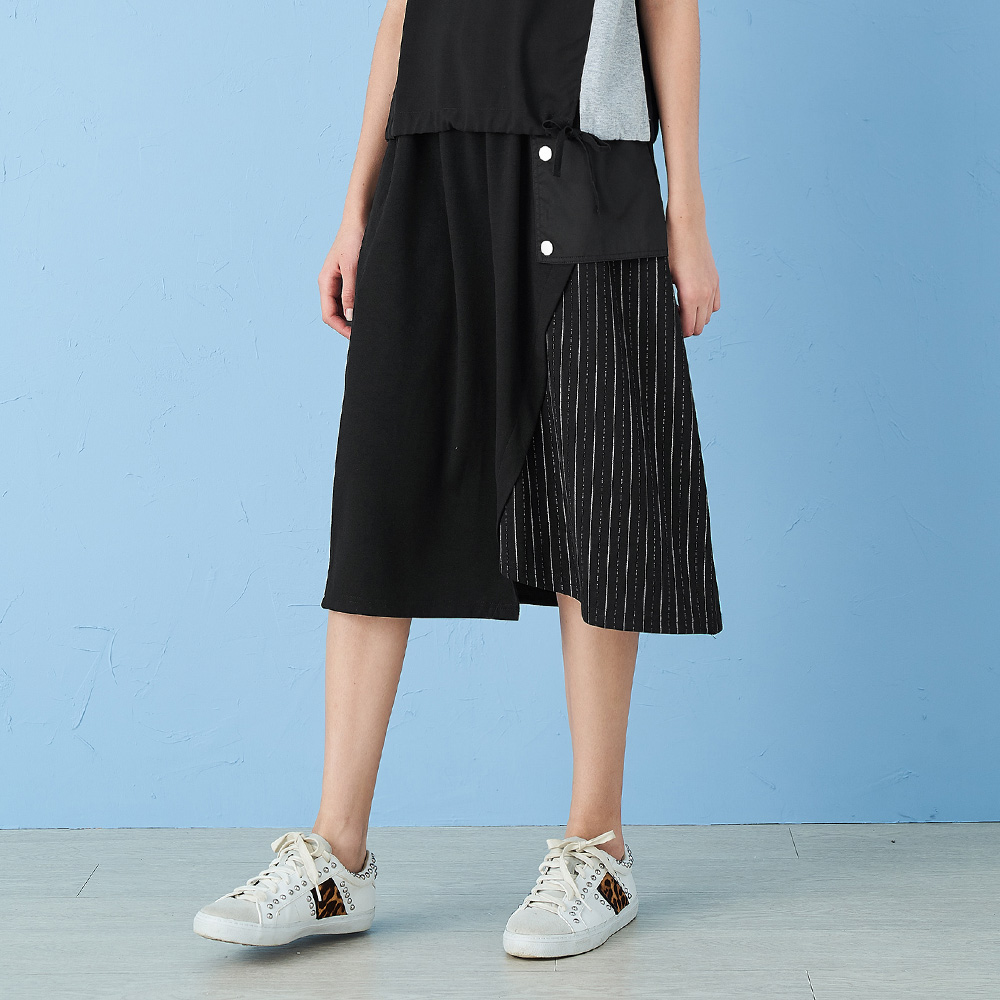 ILEY伊蕾 率性異材質拼接斜邊中長裙(黑)005203