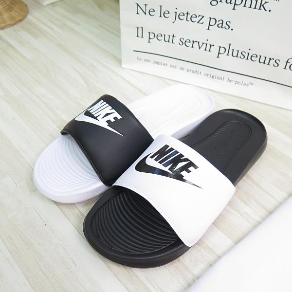 NIKE VICTORI ONE SLIDE MIX 女款 海綿拖鞋 DD0228100 黑白【iSport愛運動】