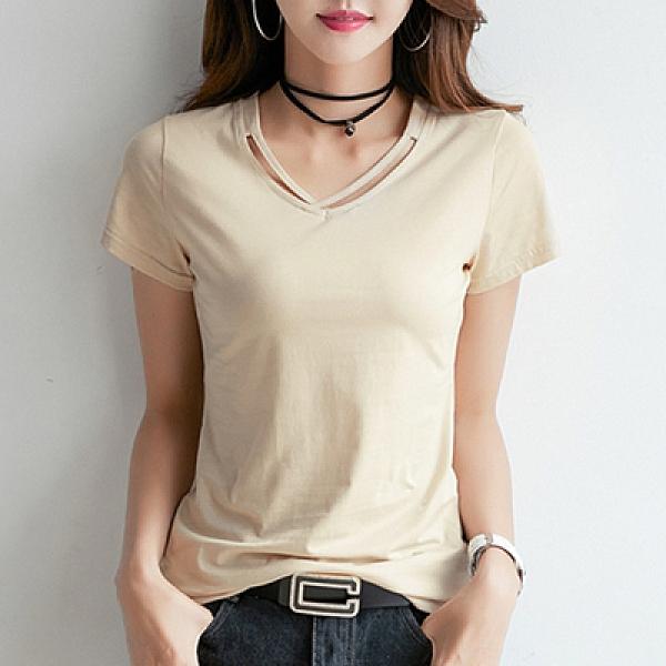 胖妹妹大碼短T~寬松顯瘦體恤上衣純色交叉簡約打底衫V領短袖t恤女士H412莎菲娜