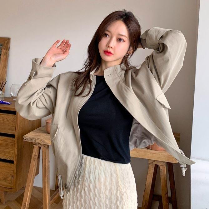 【限量現貨供應】韓國製.街頭帥氣素面立領短版風衣式抽繩外套.白鳥麗子