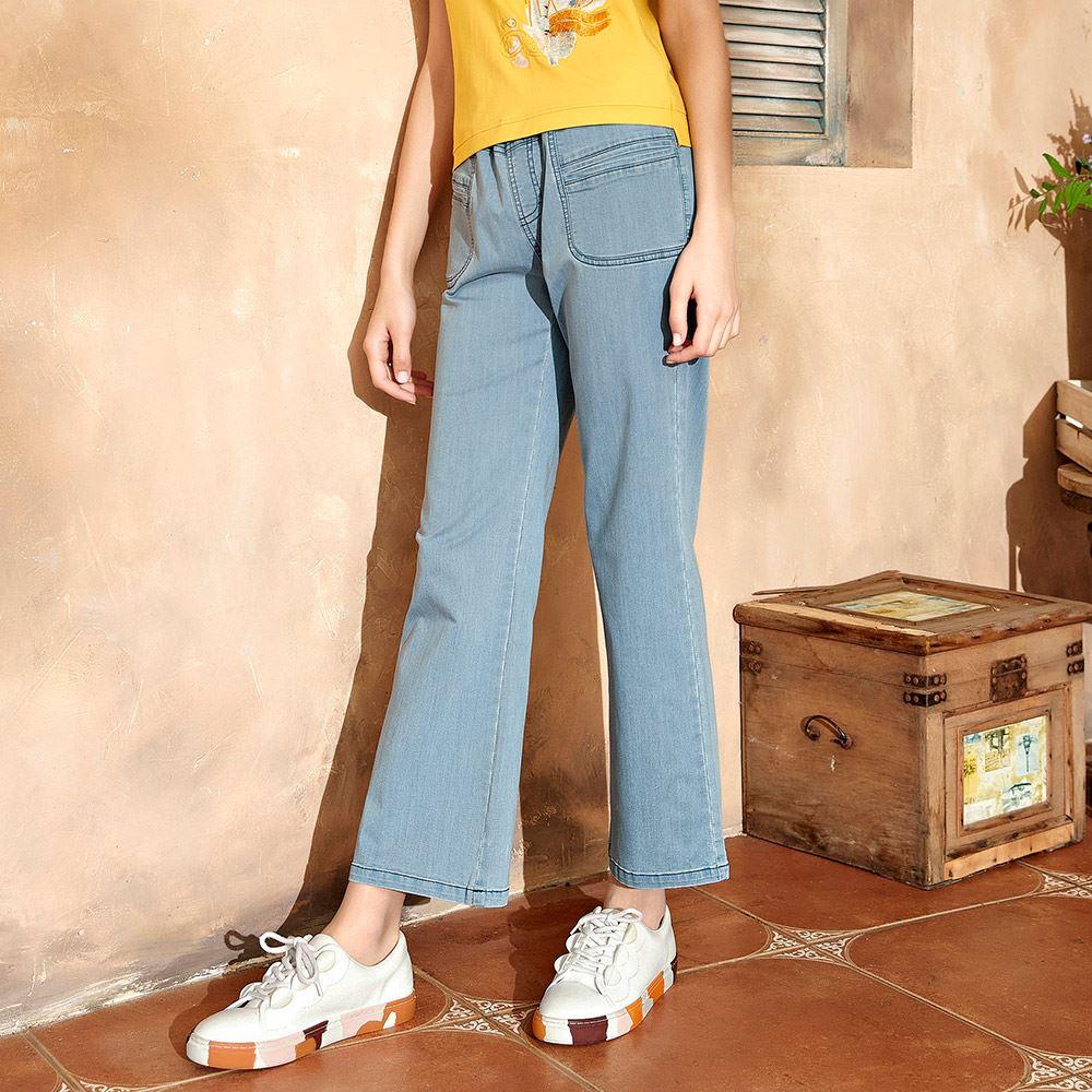 ILEY伊蕾 造型開口袋鬆緊直筒牛仔褲(淺藍)1211018622