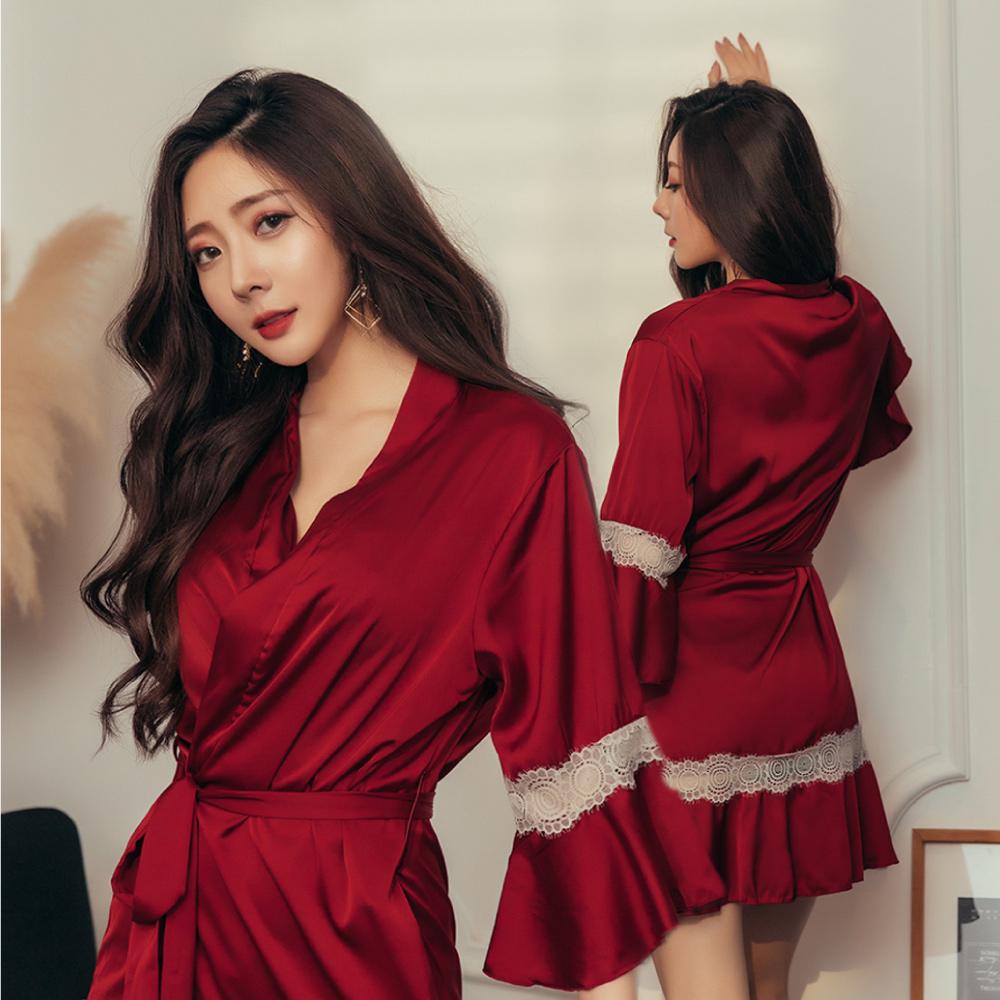 睡袍-神秘色調-Mini Queen光澤緞面鏤空蕾絲浪漫人魚袖綁帶睡袍(酒紅)