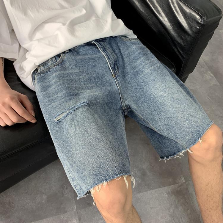ins夏季韓版潮流水洗膝蓋破洞毛邊牛仔短褲男寬鬆百搭直筒五分褲 凡卡時尚