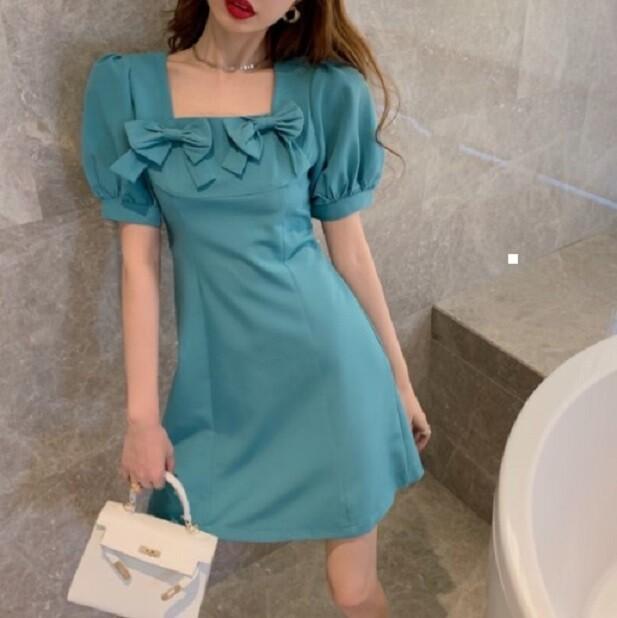 蝴蝶結方領連衣裙