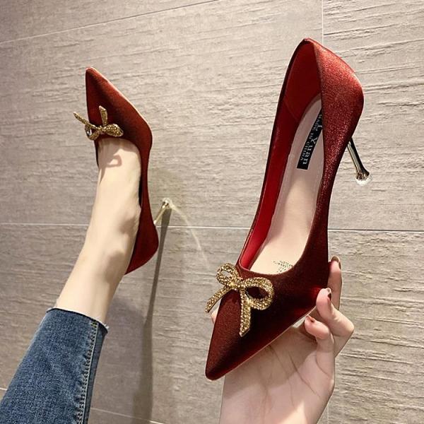 紅色綢緞高跟鞋女細跟婚鞋水鉆蝴蝶結尖頭新娘單鞋【慢客生活】