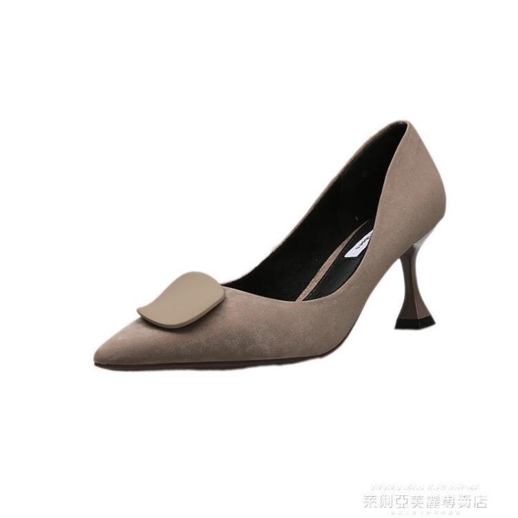 貓跟鞋 貓跟單鞋女2021新款春季百搭時尚圓扣淺口尖頭女鞋黑色細跟高跟鞋