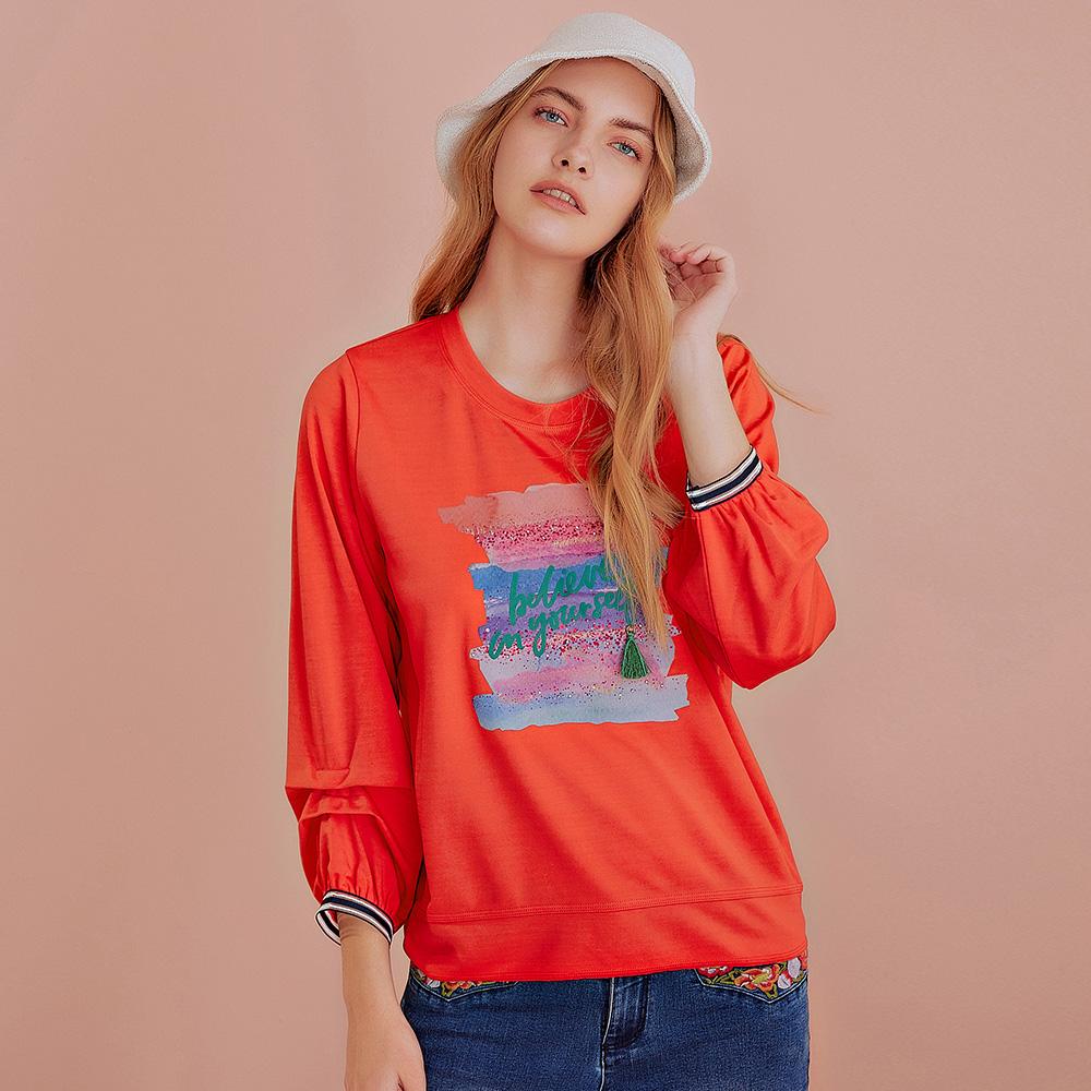 OUWEY歐薇 塗鴉感字母膠印羅馬布上衣(白/紅)J59119