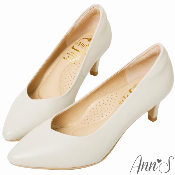 ❀足弓系列第二件88折❀Ann'S舒適療癒系低跟版-V型美腿綿羊皮尖頭跟鞋6cm-米白(版型偏小)