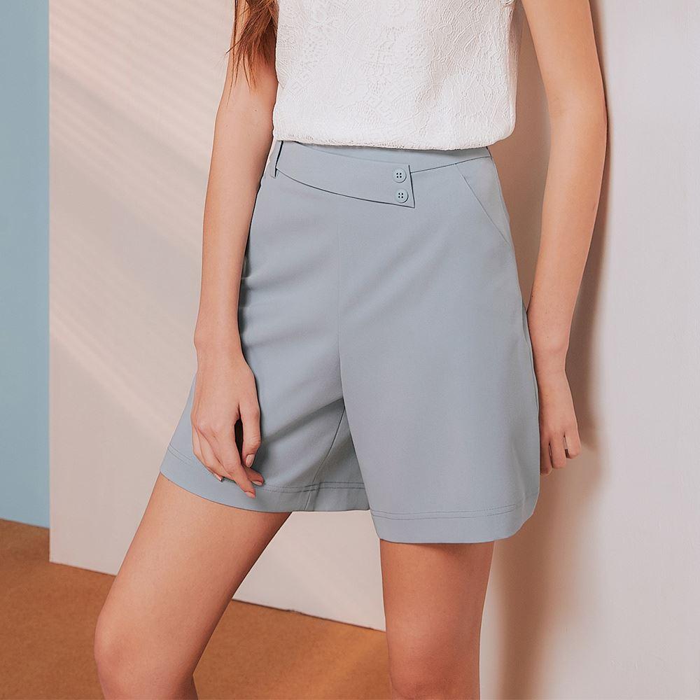 OUWEY歐薇 率性裝飾腰帶時尚短褲(淺藍)3212086110