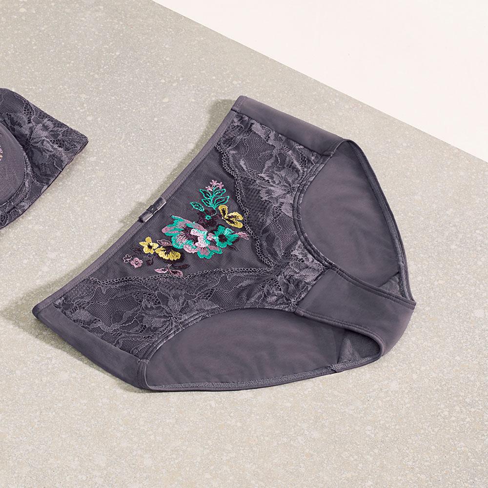 【2件9折】黛安芬-幻遊仙境系列中腰平口內褲 M-EL 迷霧灰|Y87-2106 DK