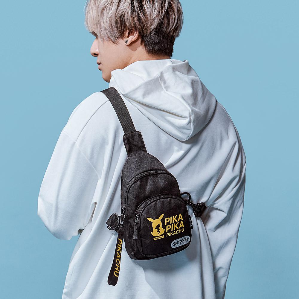 【OUTDOOR】Pokemon聯名款潮黑皮卡丘單肩包-小-黑色 ODGO20B04BK