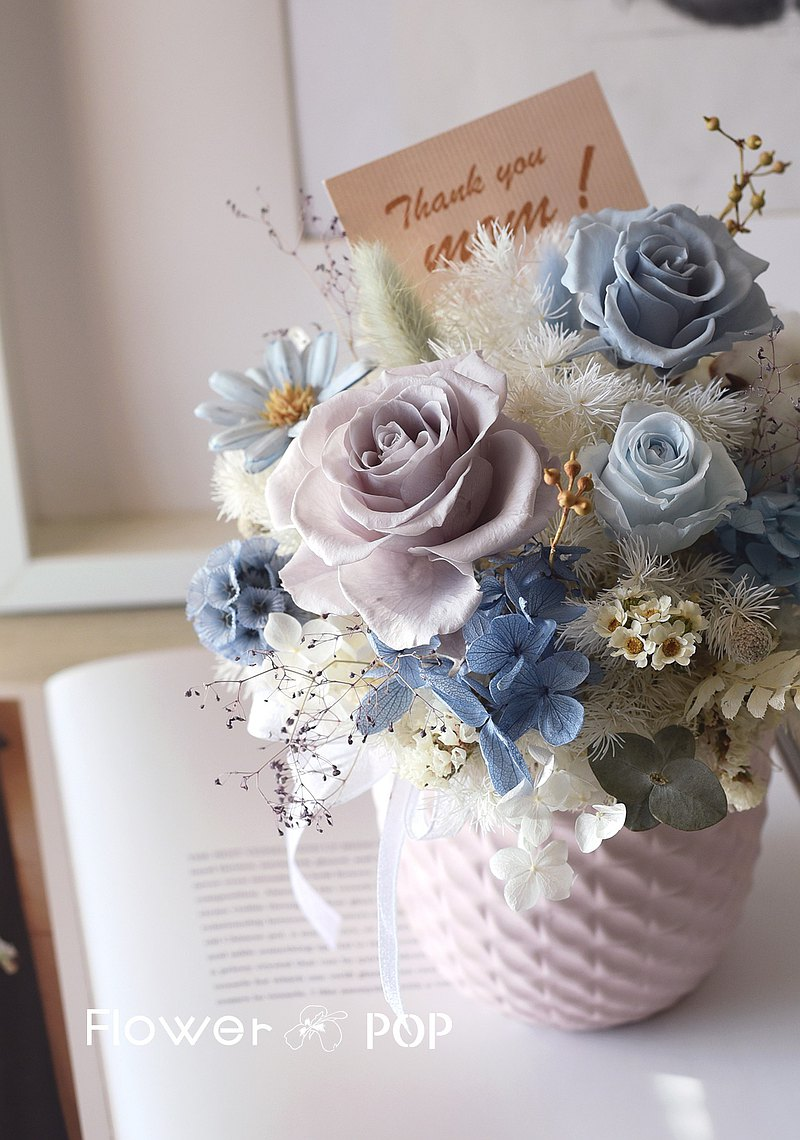 VOGUE mama 母親節花束 母親節禮物  中型桌花 永生玫瑰 莫蘭迪色