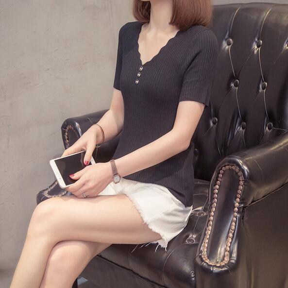 上衣 針織 V領 中大尺碼 L-3XL新款大碼冰絲短袖t卹洋氣針織衫寬鬆半袖上衣4F114-6751.胖胖美依