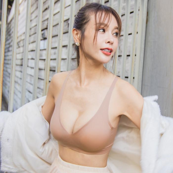 素肌無痕-寶寶肌·無痕新科技·無鋼圈集中爆乳內衣(奶茶) nanamagic 內衣推薦 ✨