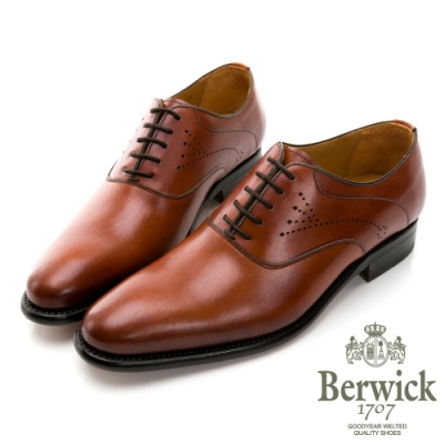 BERWICK西班牙進口-固特異工藝素面U型側雕花紳士鞋 - 棕 835026KM