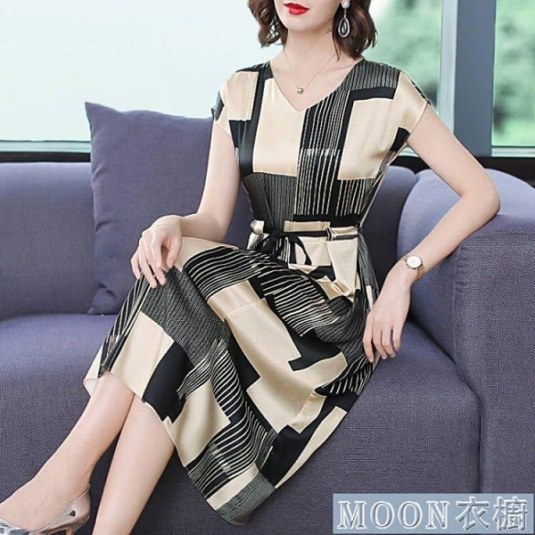 洋裝新款氣質高檔連身裙女夏V領短袖大碼女裝收腰顯瘦中長款裙子 快速出貨
