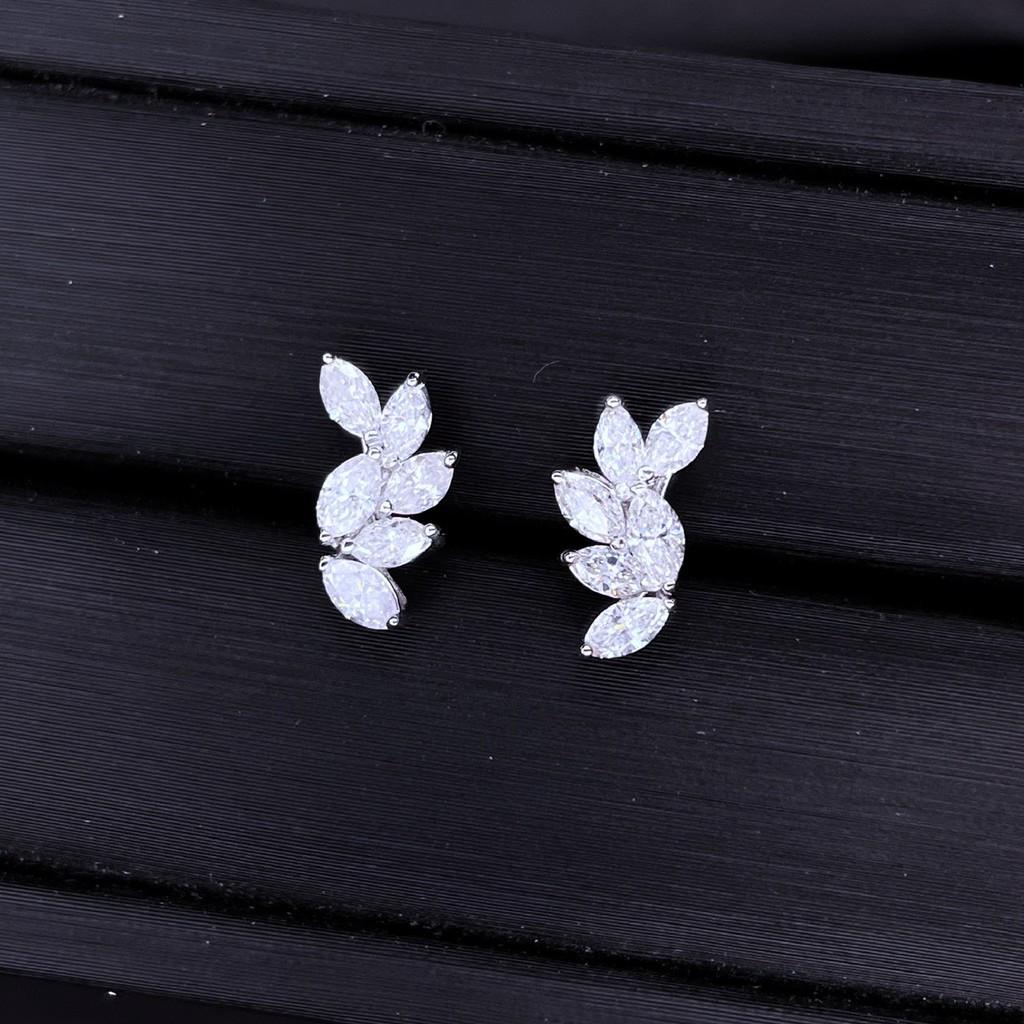 【巧品珠寶】18K金羽毛鑽石設計款耳環