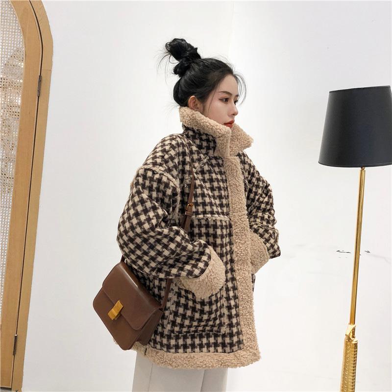 ★秋冬現貨★格子鋪羊羔毛拉鍊外套-eFashion【N16512091】